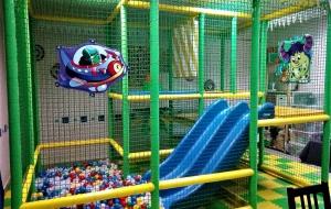 Игровой лабиринт с горкой и шариками в Коломне