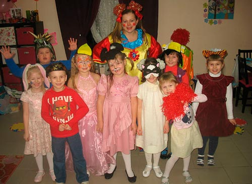 Проведение десткого праздника в студии Клоун Морожок